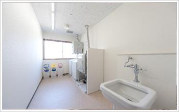 洗濯室(100円60分硬貨式)